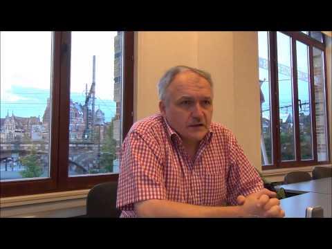 Denis Bouwen over het ontstaan van het Antwerpse Roze Huis.
